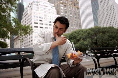 Homme_qui_mange